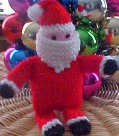 http://web.archive.org/web/20070107202809/http://www.allfreecrafts.com/knitting/santa.shtml