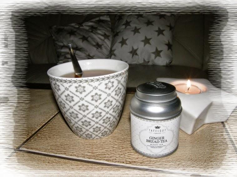 hrneček green gate čaj svíčka na stole
