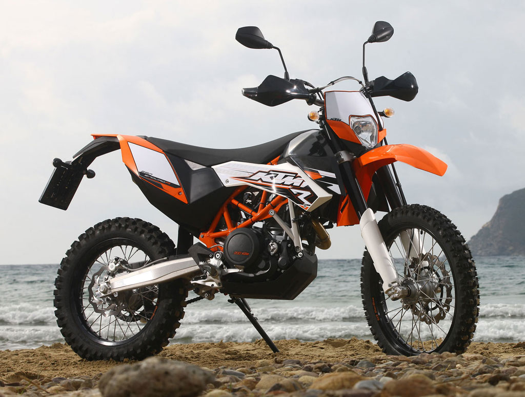 ktm 690 enduro r motoadvances. Black Bedroom Furniture Sets. Home Design Ideas