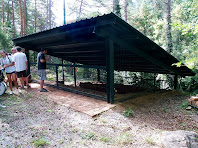 Estructura de protecció del forn de la teuleria del mas Puigdomènec
