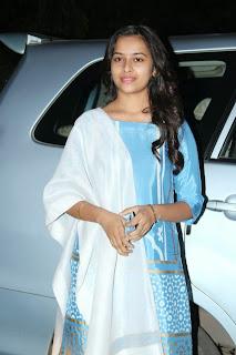 Actress Sri Divya Picture Gallery in Salwar Kameez at Vellaikara Durai Audio Launch  1.jpg