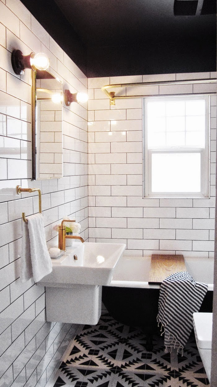 Capree kimball 39 s bathroom makeover poppytalk for Small bathroom design black and white