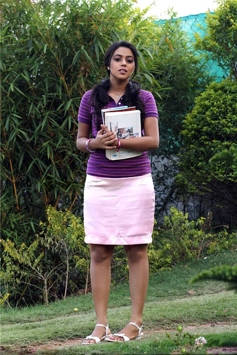 poorna (shamna kasim) actress pics