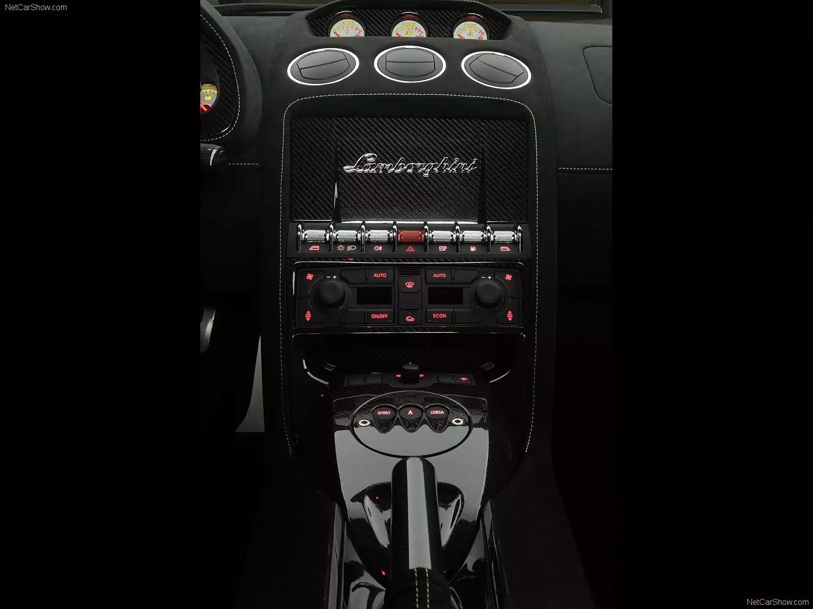 Hình ảnh siêu xe Lamborghini Gallardo LP570-4 Superleggera 2011 & nội ngoại thất