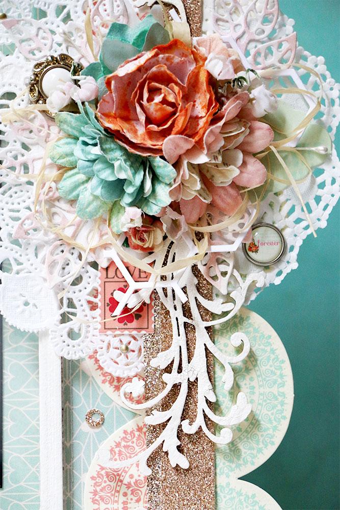 Красивая и яркая фоторамка для свадебной фотографии.