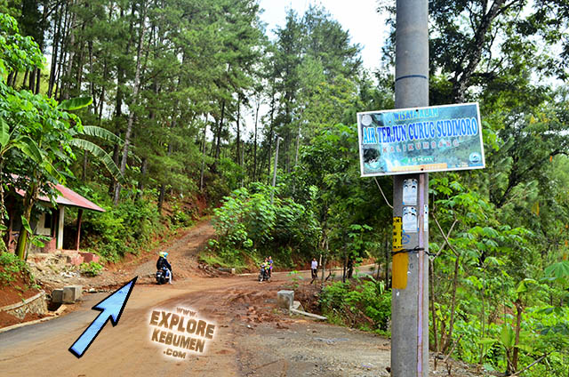 Jalan ke Curug Sudimoro