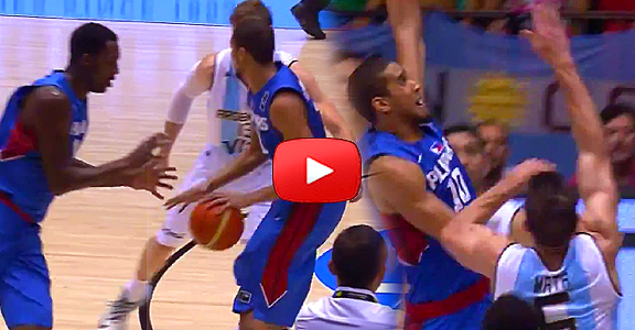 Gabe Norwood's Amazing Fake Hand Off and MONSTER Slam (VIDEO)