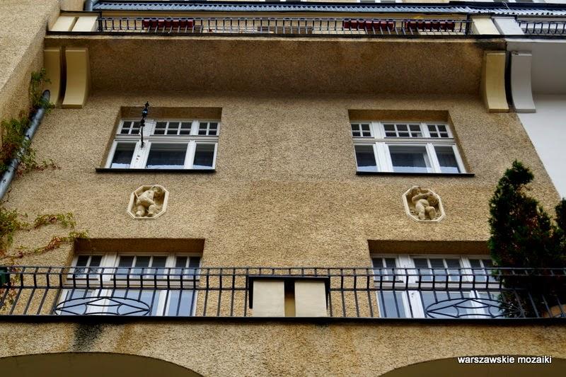 warszawa stolica balkon wykusz brama podwórko śródmieście