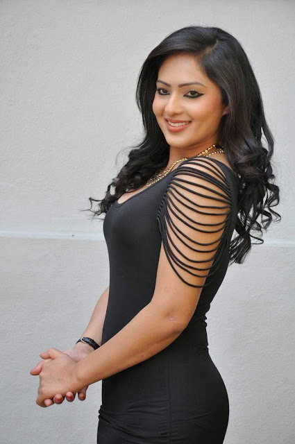 Actress Nikesha Patel Latest  Pictures in Black Short Dress 17.JPG