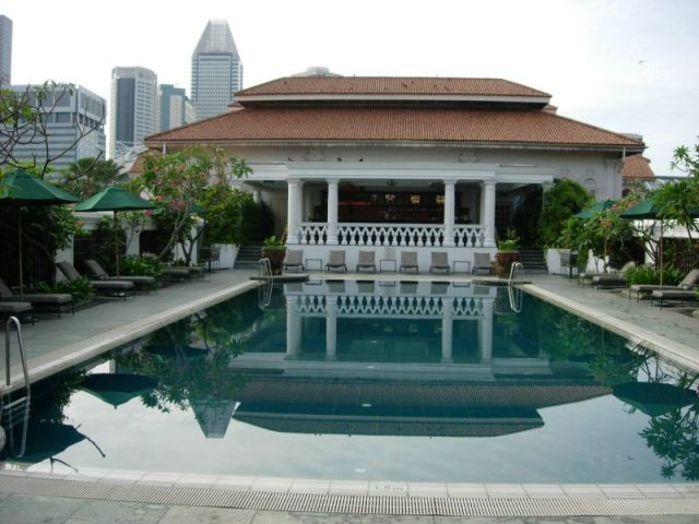 Loveisspeed The Luxurious Raffles Hotel Singapore