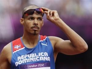 Félix Sánchez pasa a la final de los 400 metros con vallas