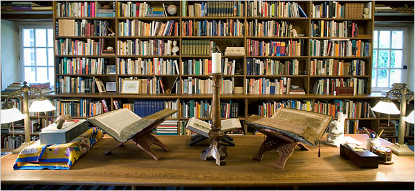 http://1.bp.blogspot.com/-S0qjlpLnE2s/TjkcdVrsEkI/AAAAAAAABEY/D2iMvLGb4Ck/s1600/alberto-manguel-library.jpg