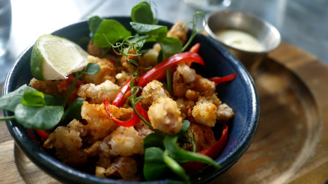 the pearson room fried squid