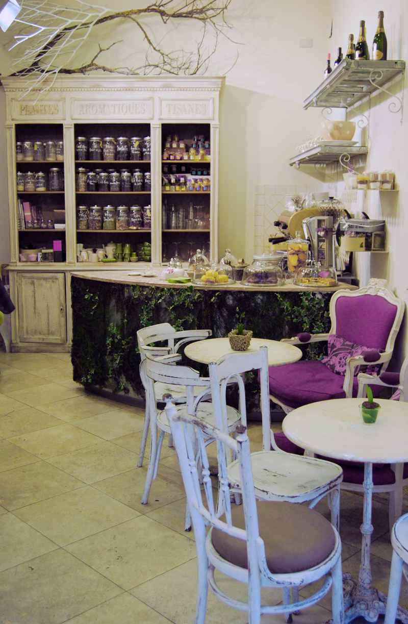 Cibo fiori shabby chic interiors for Divanetti shabby chic