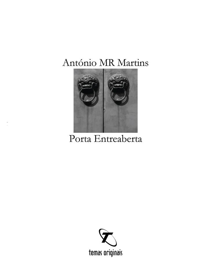 """Porta Entreaberta"""