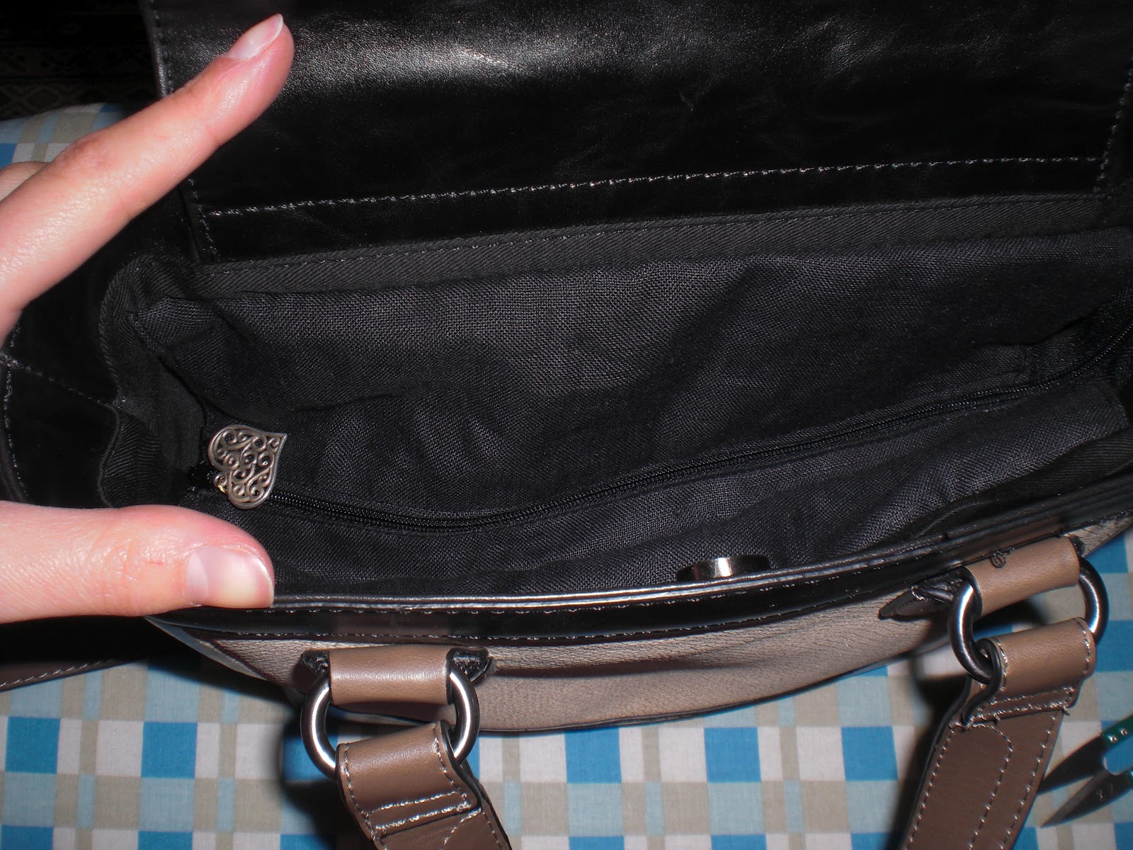 how to add on a purse closure
