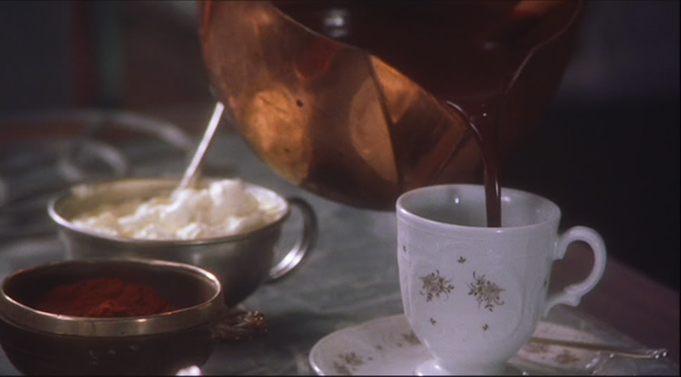 a summary of the movie chocolat Chocolat - when mysterious vianne and her child arrive in a tranquil french town in the winter of 1959, no one could have imagined the impact that she.