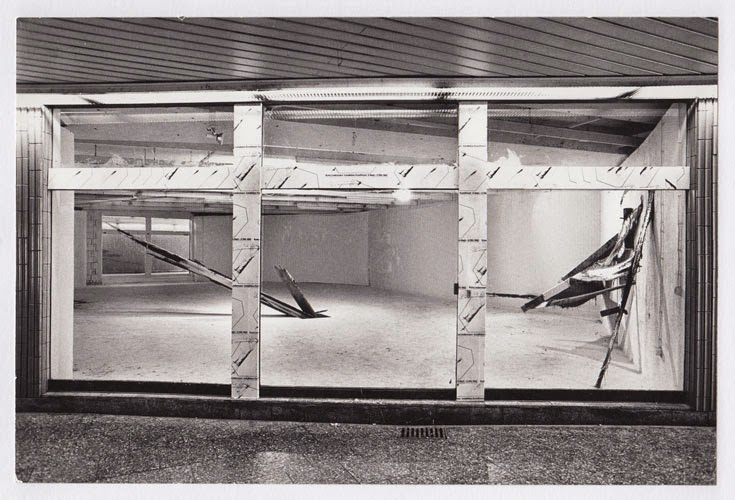Kuno Lindenmann, Installation, Kunstforum, Städt. Galerie im Lenbachhaus, München, Aussenansicht, 1982
