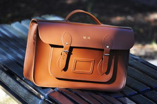 Bolsa Estilo Cambridge Satchel : Adolescente estilosa bolsa satchel
