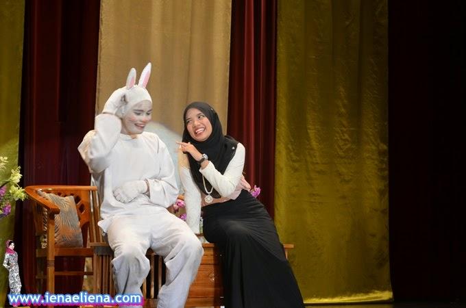 Teater Cinta Sang Arnab