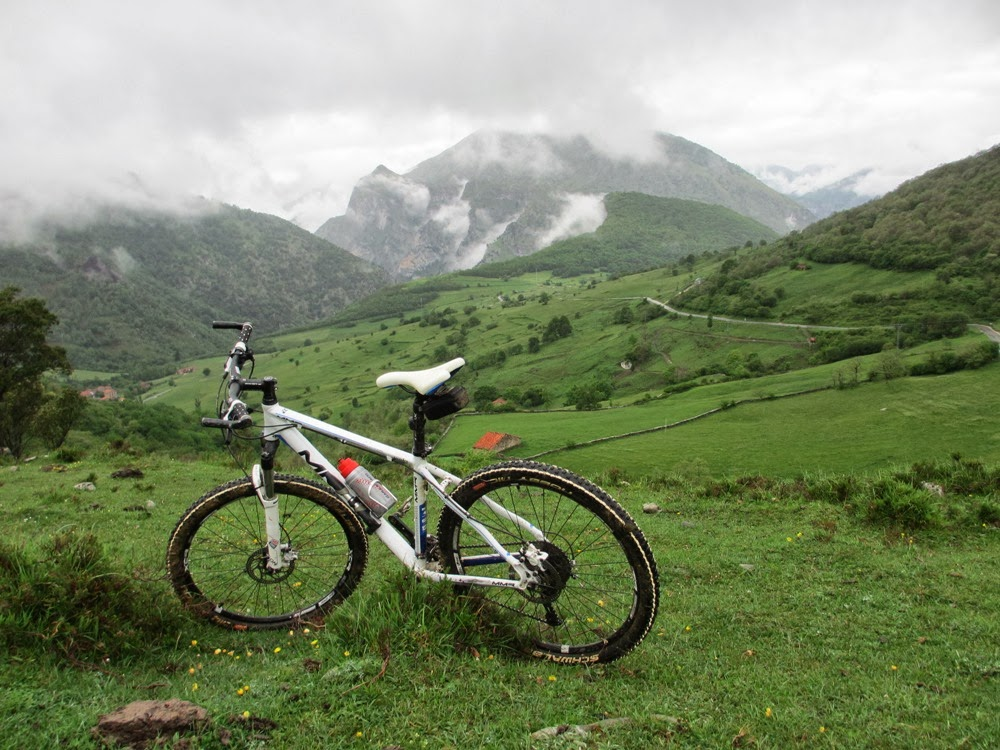 En bici por Peña Ventosa