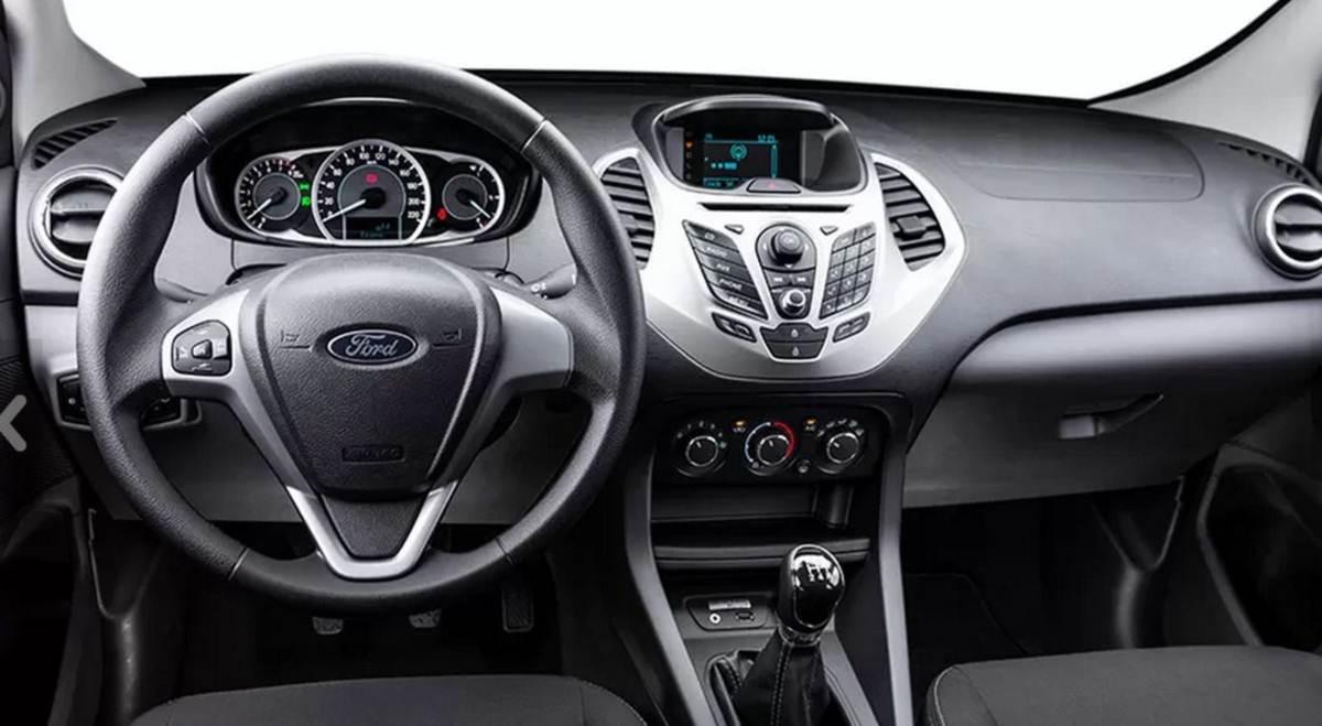 Novo Ford KA+ (Sedã) 2015 - interior - painel