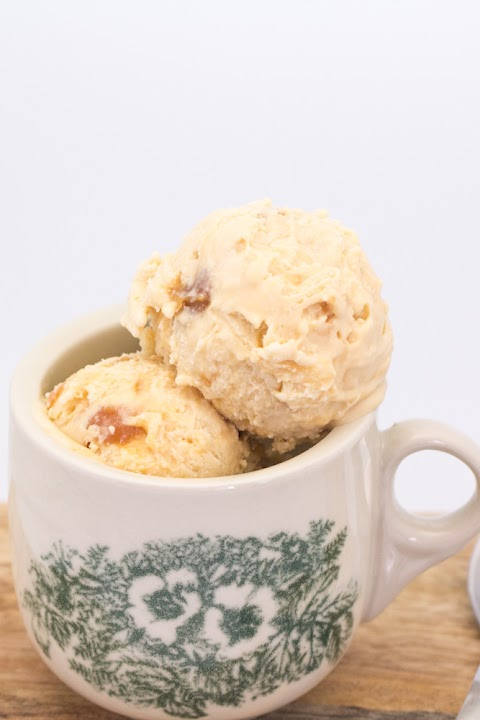 Cheesecake Caramel Ice Cream