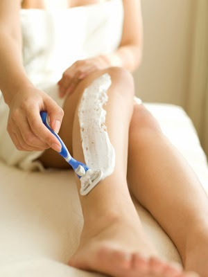 women-hair-removal-shaving-leg