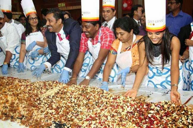 Iyshwarya Rajesh At Cake Mixing Ceremony