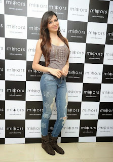 Actress Simran Kaur Latest Pictures in Jeans at Mirrors Salon 3rd Anniversary Event  9