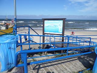 zjazd na plażę dla niepełnosprawnych - Chłopy w Gminie Mielno