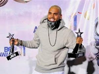 Chris Brown Win Big BET Awards 2011