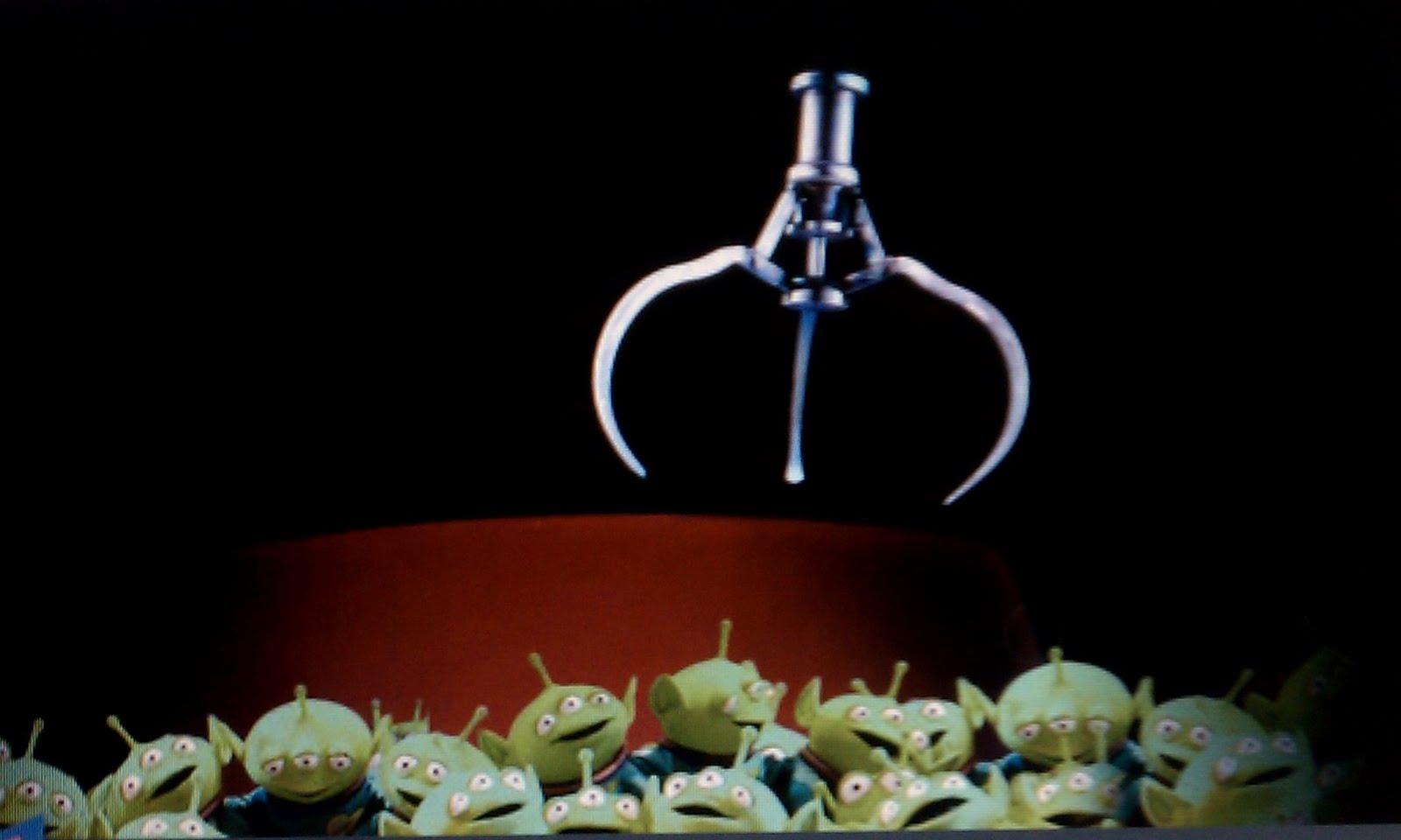 http://1.bp.blogspot.com/-S334lVJVDIA/Ta-89-WTFkI/AAAAAAAAAKw/Qbnqx7_Mz9o/s1600/claw.jpg