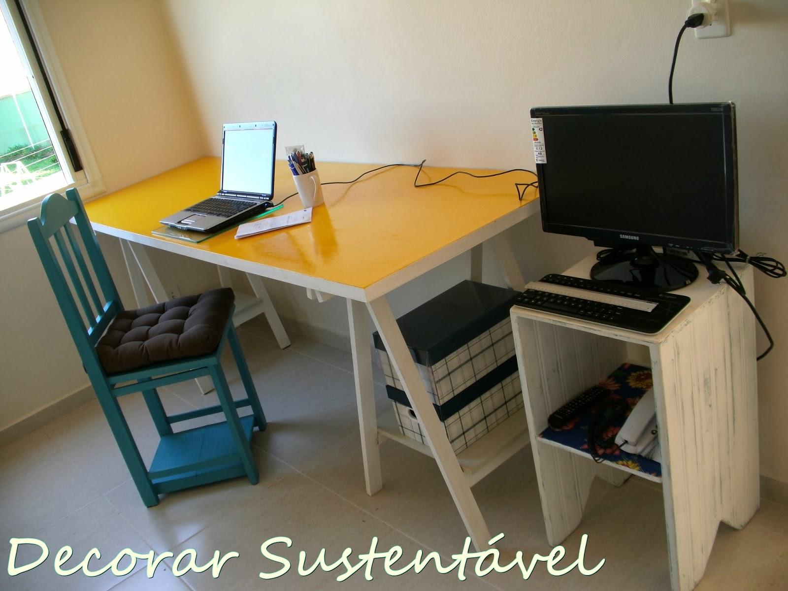 sustentável: Home office feito com porta e cavaletes (editado #A57926 1600x1200