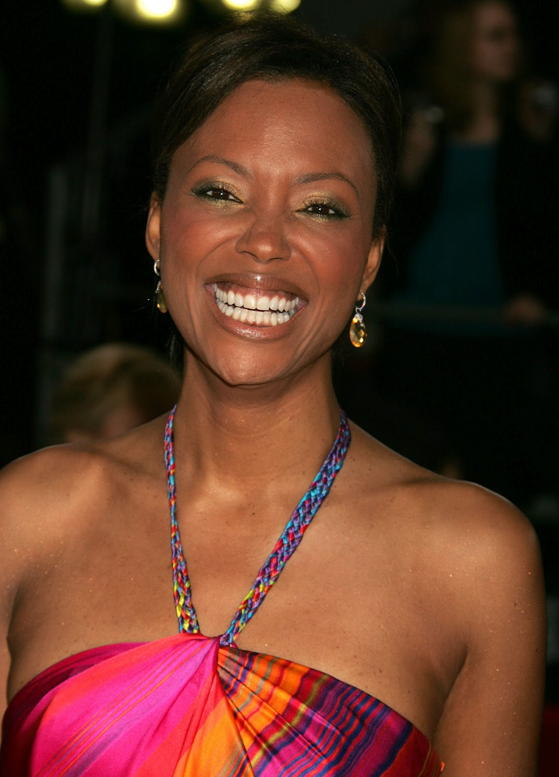 aisha_tyler_rainbow_dress-225.jpg