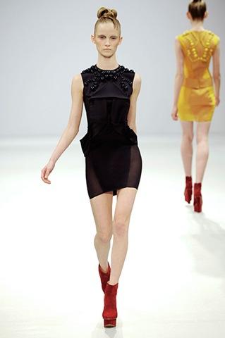 Kurze schwarze Kleider 2011/2012