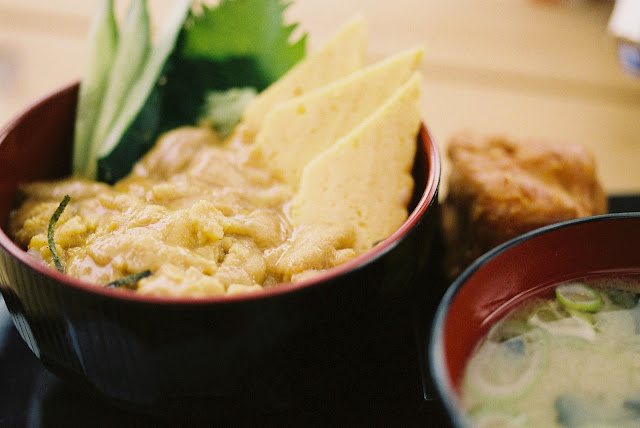sea-urchin uni with hot rice