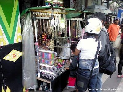 pedagang souvenir Malioboro