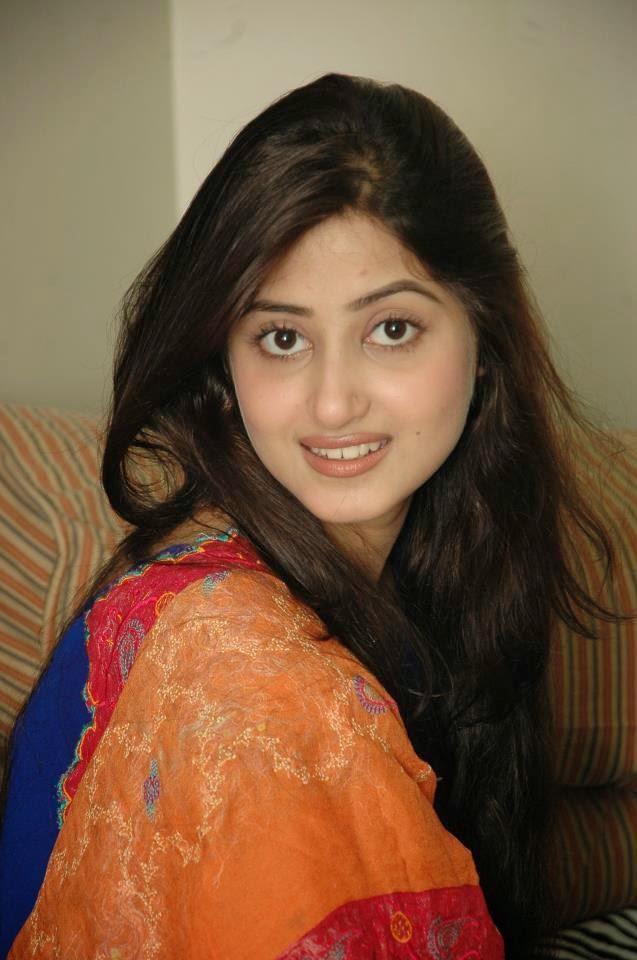 Sajal Ali - Pakistani Model Unseen Pictures - B & G Fashion