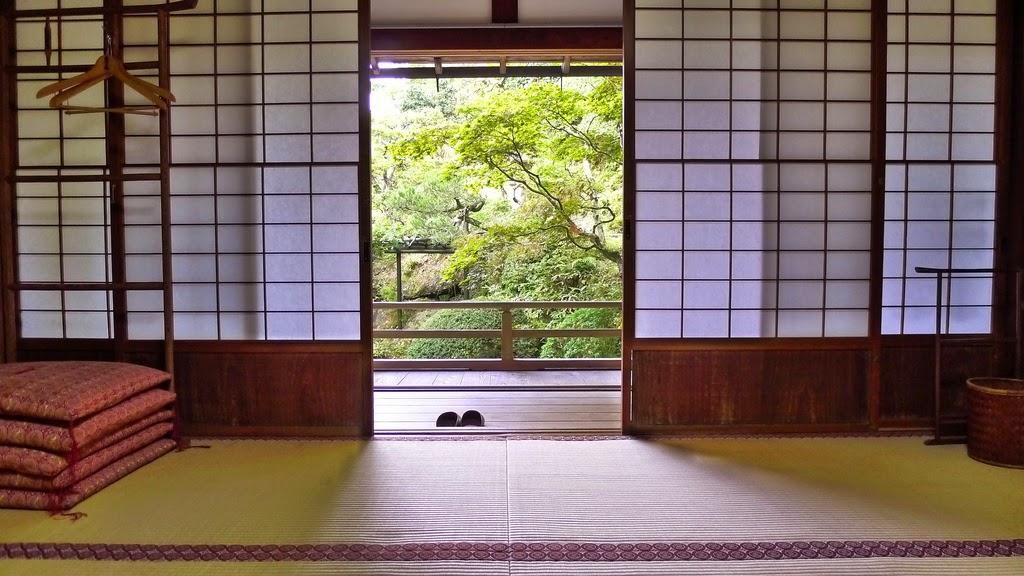 Elementos que no deben faltar en tu casa tradicional for Puertas japonesas