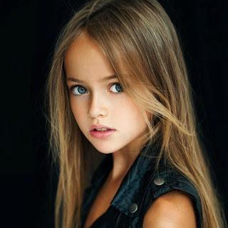 Gaya rambut panjang lurus 2015 untuk anak perempuan terurai