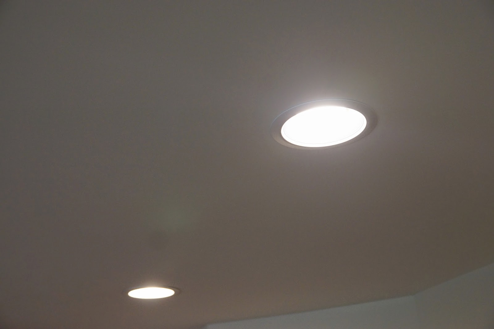 A picture of the recessed lighting in the kitchen