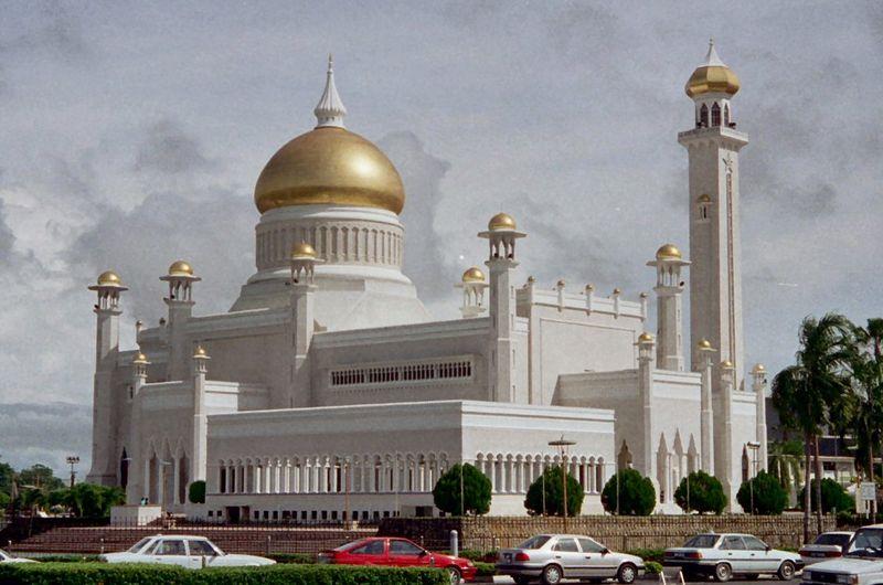 http://1.bp.blogspot.com/-S4SrS4o2c8c/TaJ8-_ZRhtI/AAAAAAAAAyM/7H_WQpyiLbc/s1600/Masjid_Sultan_Omar_Ali_Saifuddin.jpg