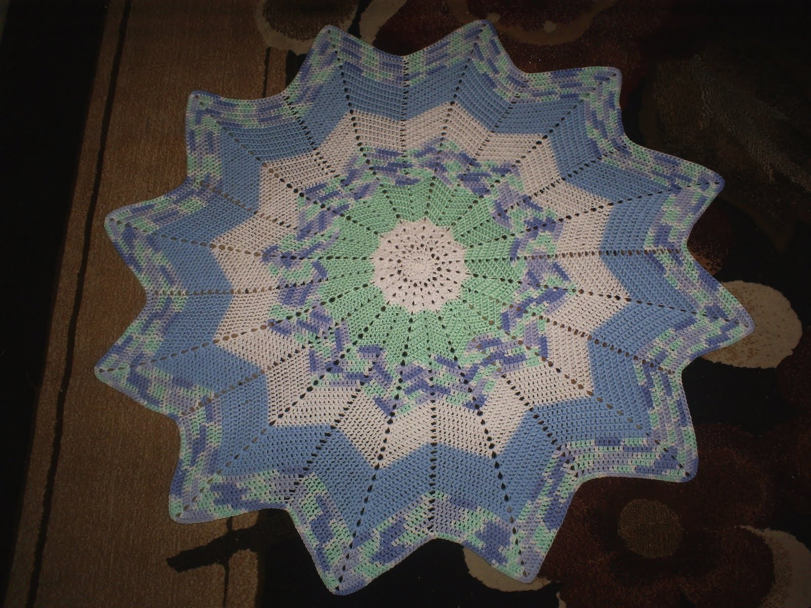 Crochet Round Ripple Baby Afghan Pattern ~ Traitoro for .