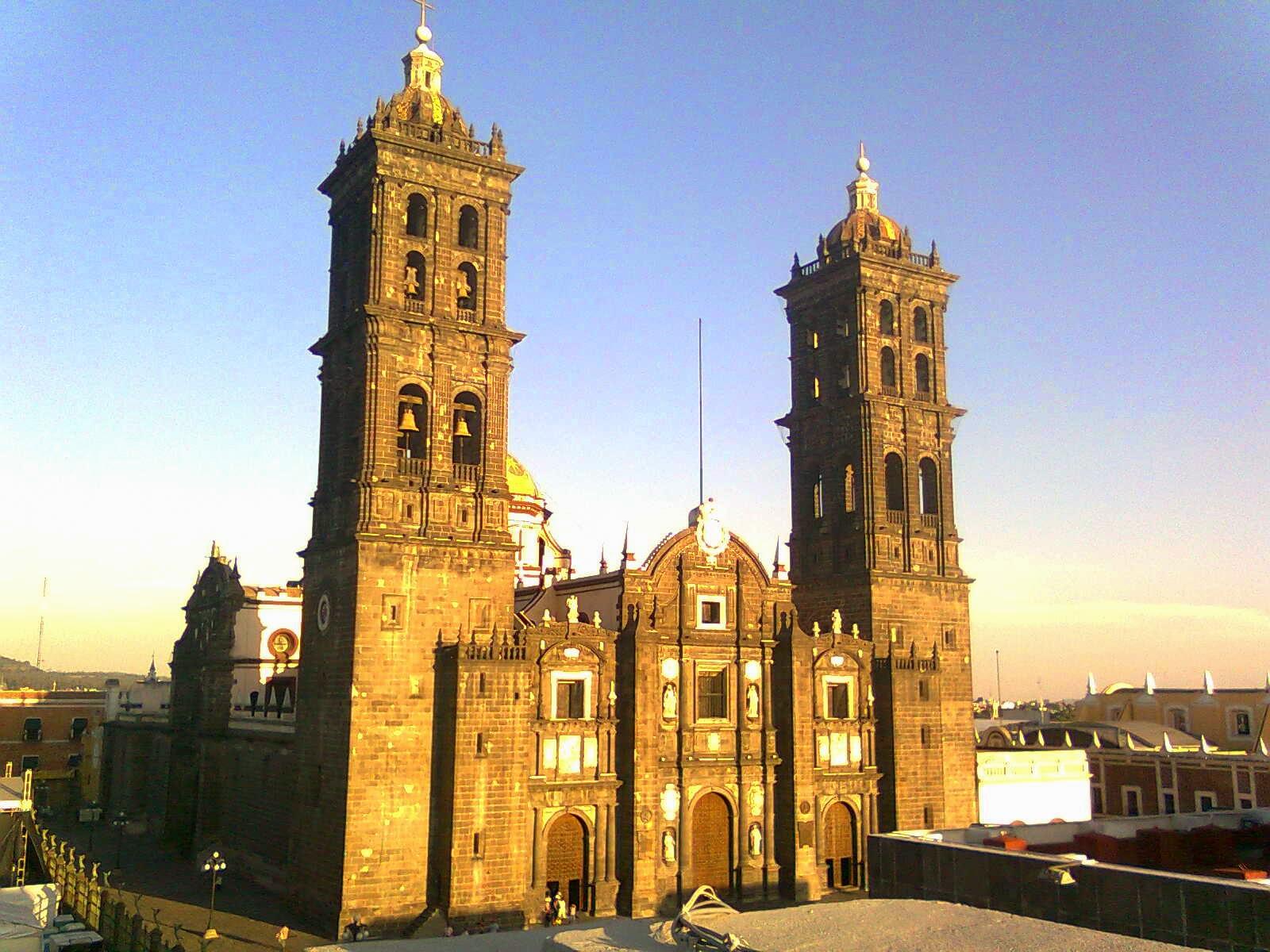 Fachada de la Catedral de Puebla, México