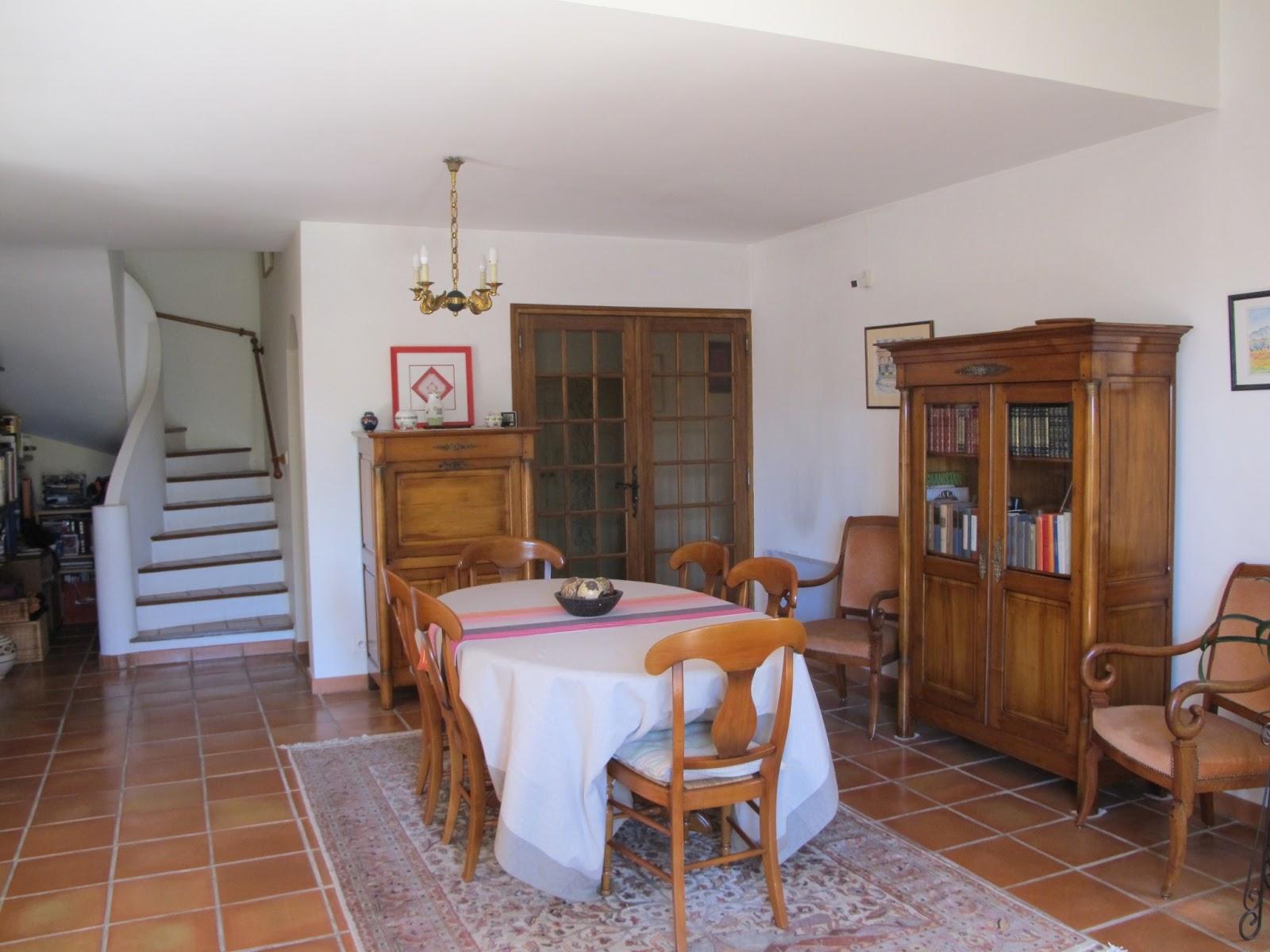 maison vendre luynes. Black Bedroom Furniture Sets. Home Design Ideas