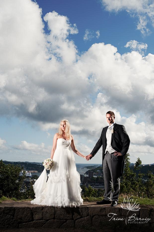 Bryllupsbilde fra midtåsen i Sandefjord - fotografert av bryllupsfotograf Trine Bjervig, Tønsberg vestfold