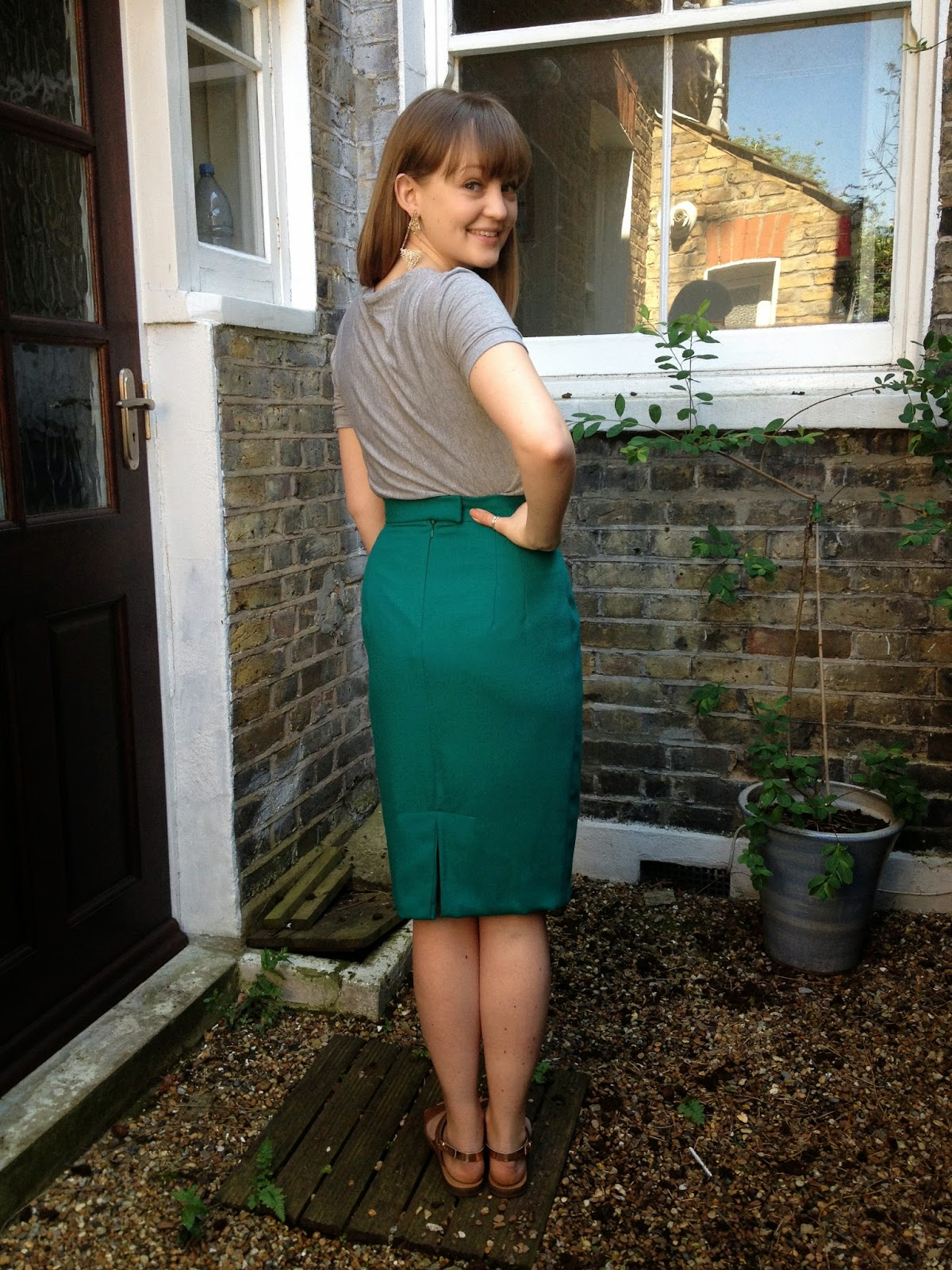 how to make a pencil skirt fit