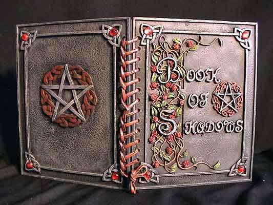 Libro m gico magia brujeria y chamanismo - Libros antiguos para decoracion ...