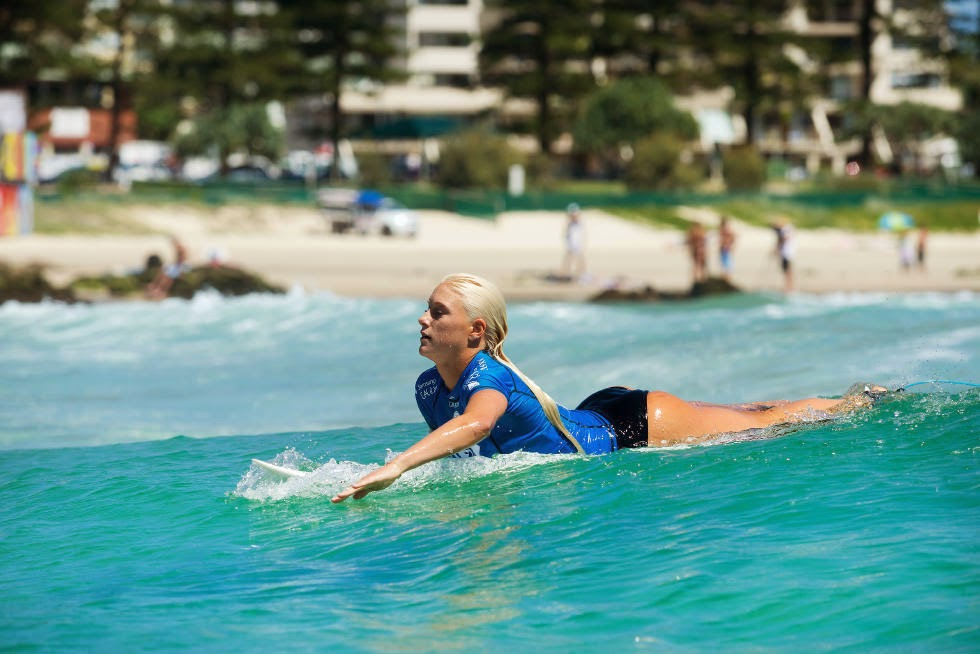 31 Roxy Pro Gold Coast 2015 Tatiana Weston Webb Foto WSL Kelly Cestari